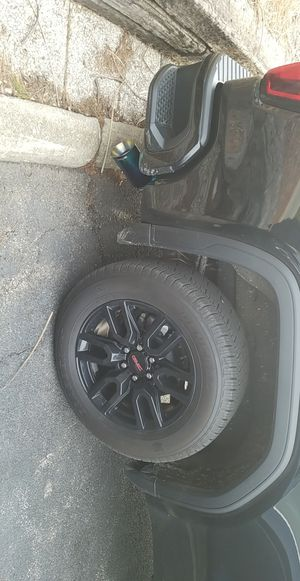 20inch GMC Rims and 275/60/20 tires for Sale in DeKalb, IL