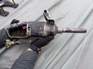 """IR Titanium pneumatic impact wrench with 6"""" extended anvil for Sale in Escalon, CA"""
