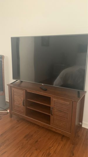 Tv + Tv stand for Sale in Kissimmee, FL