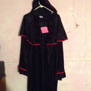 Wizard/Vampire Halloween costume for Sale in Cleveland, OH