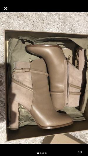 Burberry boots for Sale in Englewood, NJ
