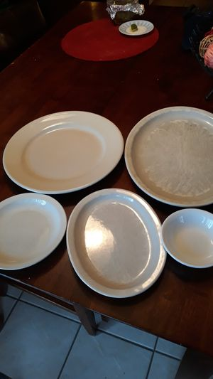 Restaurant plates set ( used ) for Sale in Shelby Charter Township, MI