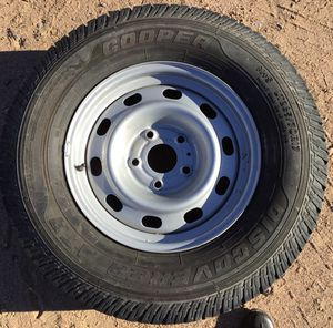 "17"" Cooper Discoverer ATR with Dodge 1500 5 lug aluminum alloy rim***Lots of tread on this tire! No scratches/dents on rim for Sale in Tonto Basin, AZ"
