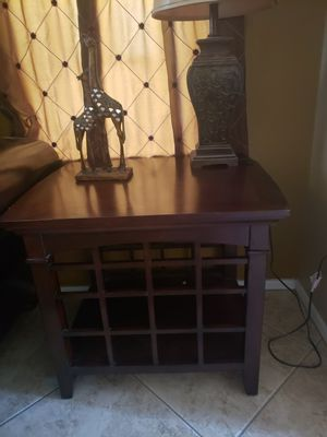 Coffee table and 2 side table for Sale in Laveen Village, AZ