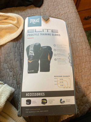 Elite Everlast Boxing Gloves 8Oz for Sale in Tampa, FL