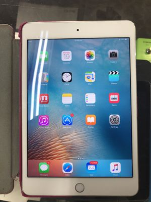 Apple IPAD MINI 4 NO CHARGER W/PINK CASE for Sale in Baltimore, MD