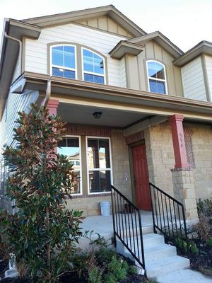 3/ 2.5 Round Rock Condo with Loft $1695/mth ...554 Tumlinson Fort Way Round Rock TX 78664 for Sale in Taylor, TX