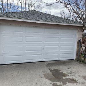 Garage Door Nuevas Y Usadas Buenas Condiciones Instaladas for Sale in Corona, CA