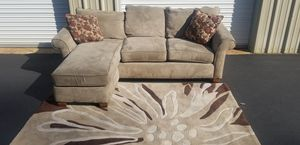 Sectional couch reversible Chase excellent condition for Sale in Granite Falls, WA