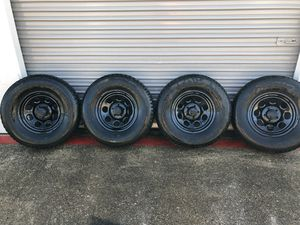 "15"" black steel rims with tires for Sale in Fort Worth, TX"