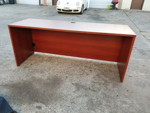 Knee space office desk $125 (good condition) for Sale in Houston, TX