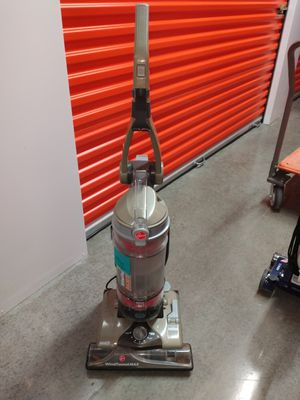 Hoover vacuum with retractable cord for Sale in Houston, TX