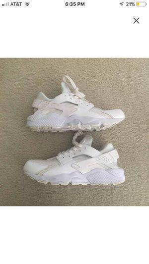 Nike All White Huaraches for Sale in Alexandria, VA