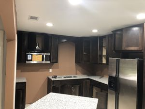 Kitchen cabinets for Sale in Fort Worth, TX