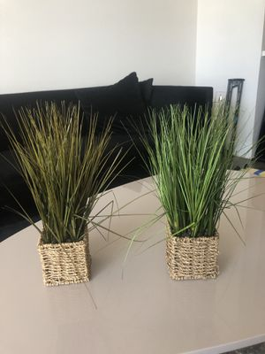 Cute fake grass plants for Sale in Los Angeles, CA