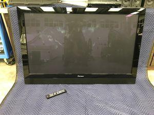 """Pioneer 60"""" PLASMA flat Screen TV w/ wall mount! for Sale in Edmonds, WA"""