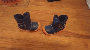 Fuzzy warm snow boots size 5-6 Toddler for Sale in Philadelphia, PA