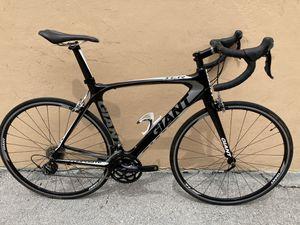 Giant tcr carbon road bike, 54 cm medium size for Sale in Pompano Beach, FL