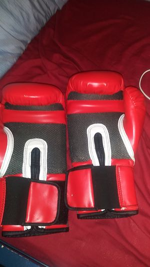 Boxing gloves for Sale in Anaheim, CA