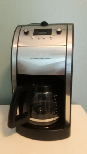 CuisinArt automatic grind and brew 10 cup coffee maker for Sale in Wichita, KS