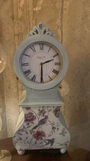 Pretty antique clock for Sale in Dracut, MA