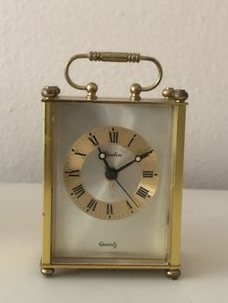 Small Vintage Brass Clock for Sale in Los Angeles,  CA