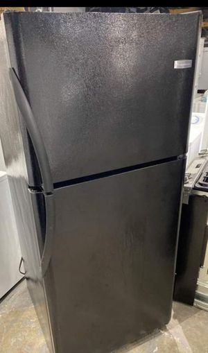 Fridge ,Black Frigidaire for Sale in Boston, MA