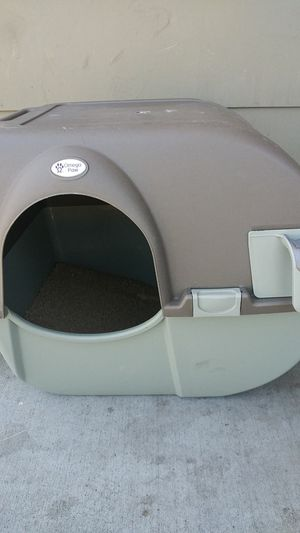 Omega paw (litter box) for Sale in Chico, CA