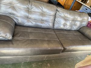 Grey couch for Sale in Lake Elsinore, CA