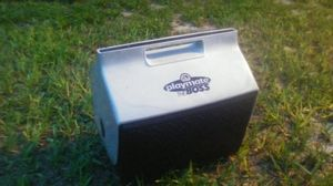 Igloo 14.8 Quart Playmate Cooler With Industrial Diamond Plate Exterior Design for Sale in Tampa, FL