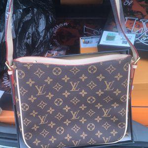 Beautiful Sling bag for Sale in Burbank, CA