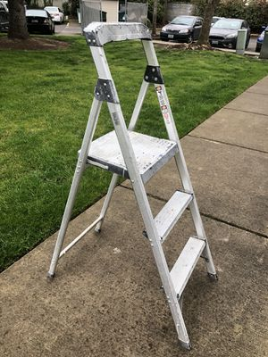 Lionladder 3 step for Sale in Eugene, OR