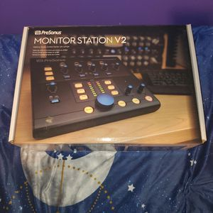 PreSonus Monitor Station V2 Desktop for Sale in Hollyvilla, KY