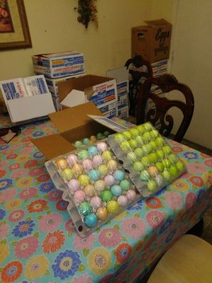 Easter eggs with confetti 30 count for $5 for Sale in Mission, TX