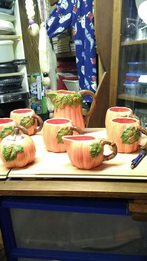 1993 Wang's international Inc.pitcher w/5cups, sugarbowl, &creamer no chip or cracks 50 dallars for Sale in Montrose, CO