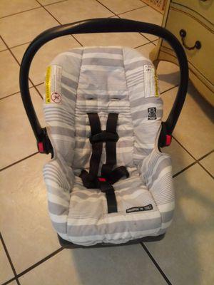 Graco baby car seat for Sale in Bradenton, FL