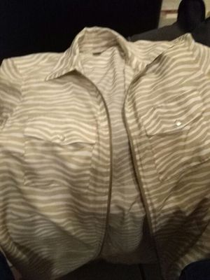 A Michael Kors shirt size medium for Sale in Baltimore, MD