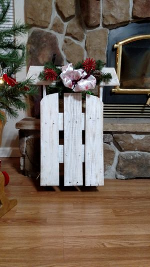 Mini pallet sled for decoration for Sale in Festus, MO