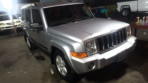 2006 JEEP COMMANDER TITULO SALVAGE Y PLACAS VIGENTES JUL for Sale in San Diego, CA