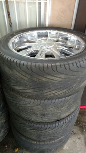 305/40/22 velocity .good tires for Sale in San Diego, CA