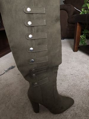 Olive green knee-high heeled boots for Sale in Atlanta, GA