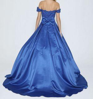 Juliet classic dress for Sale in Hayward, CA