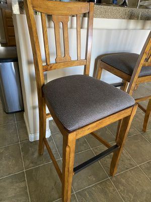 3 high counter top chairs for Sale in Bakersfield, CA
