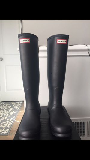 Hunter adjustable boots women size 8 for Sale in Chicago, IL