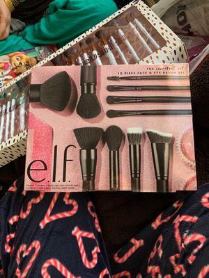 Makeup brush set for Sale in Lorton, VA