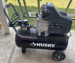 Husky 8 gallons air compressor 125psi 1.5hp for Sale in Whittier, CA