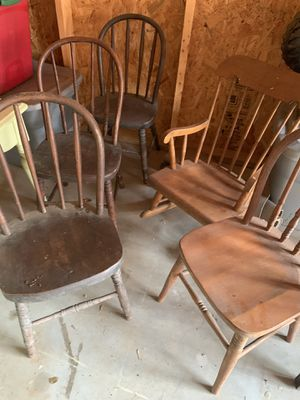 Windsor childrens Chairs Antique for Sale in Clayton, NC