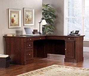 Desk for Sale in South Gate, CA