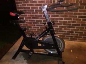 Digital exercise bike gold's gym for Sale in Fort Branch, IN