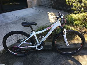 """13"""" Specialized Rockhopper Comp girls mountain bike, Custom wheels & Upgraded braked for Sale in Lynnwood, WA"""